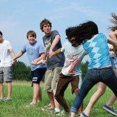 8 crianças jogos ao ar livre, devemos totalmente jogar agora