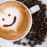 Um novo estudo diz que o café faz você feliz