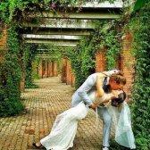 Volta ao Mundo em 38 casamentos casal planeja grande casamento em 11 países!