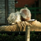 Você acredita em um amor eterno que dura uma vida e mais?