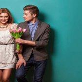 Como fazer uma menina cair no amor na primeira data rapidamente - 7 Dicas