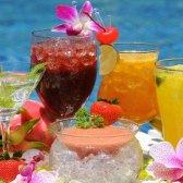Como fazer cocktails para uma festa de verão