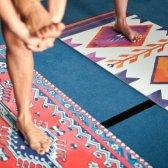 Como realmente limpar seu tapete de yoga