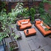 James Corbett abriu um salão de beleza e pedicure horta orgânica