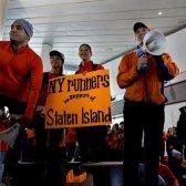 Nyc maratonistas vão correr, mas eles dão de volta para as vítimas do furacão Sandy
