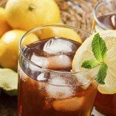 Saciar a sua sede de verão com essas 11 receitas chá gelado