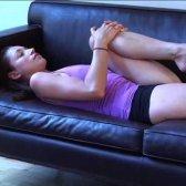 Tara Stiles testa a chamada abertura dos iogues tradicionais