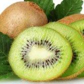 10 deliciosos smoothies kiwi para tentar
